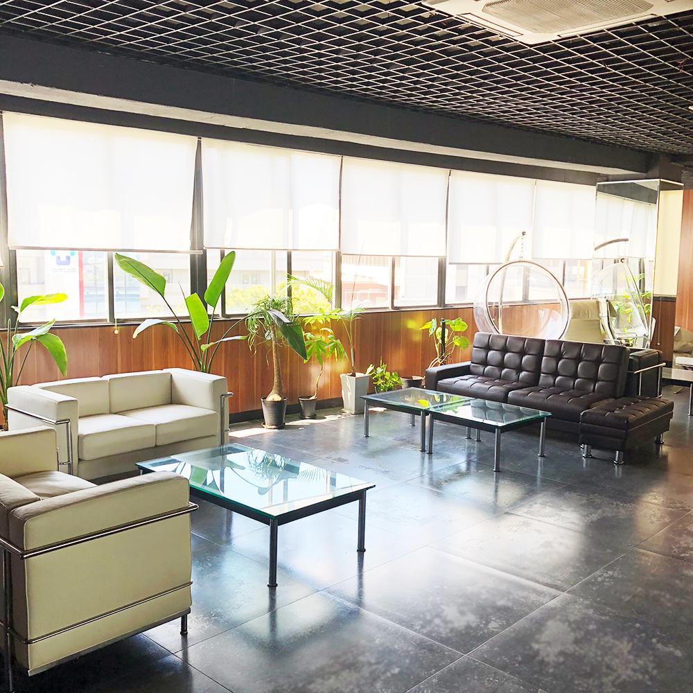 株式会社JAPANCREATE(ジャパンクリエイト ビル5F)レンタルオフィスの会議室